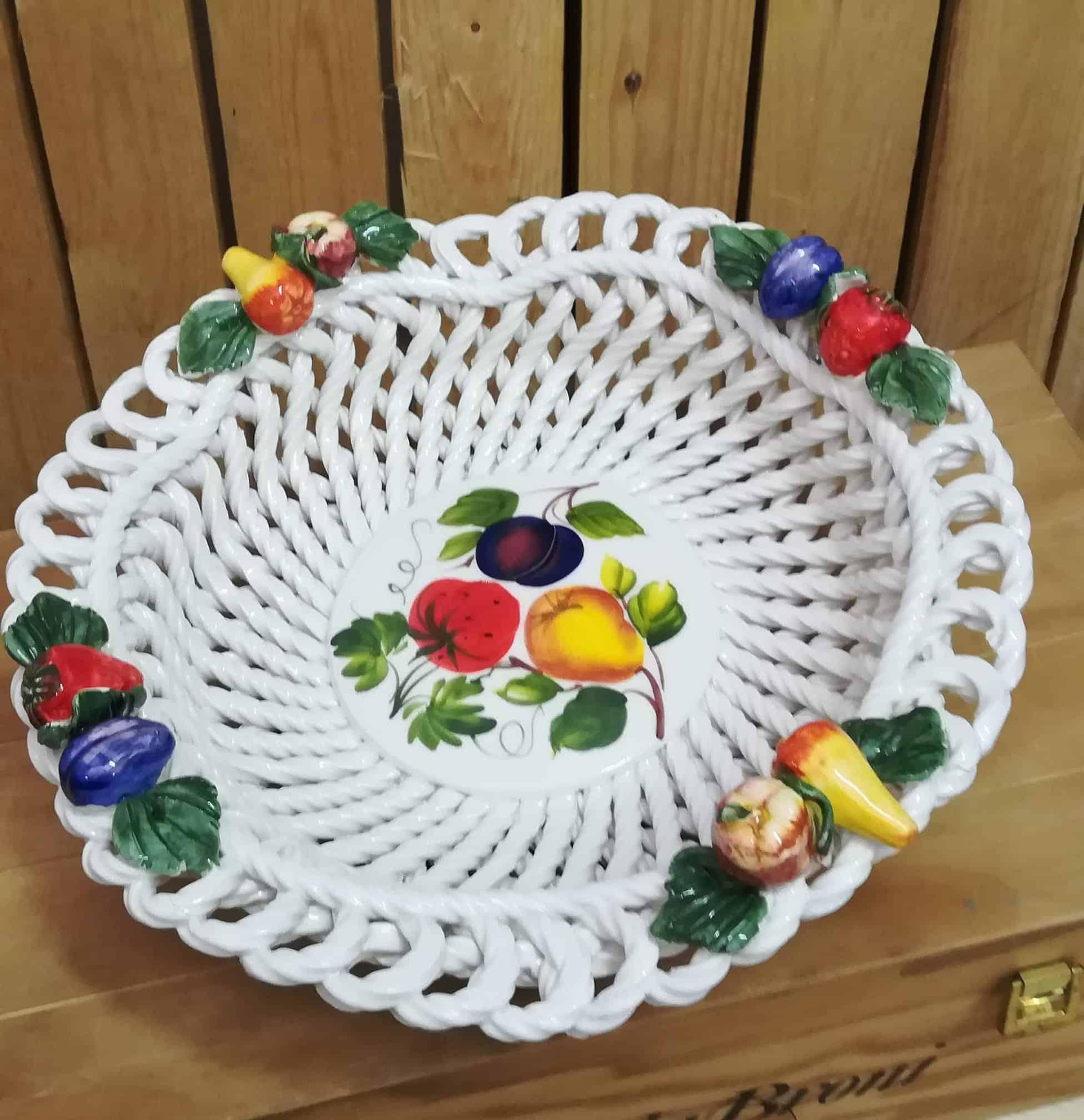 Keramický košík na ovocie