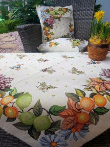 Kvetované a ovocné obrusy gobelín 90 x 90