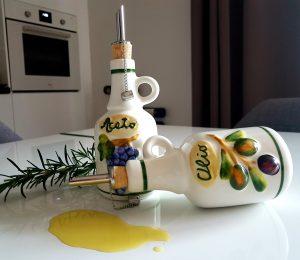 Keramické olejničky fľaštičky na olej a ocot BR