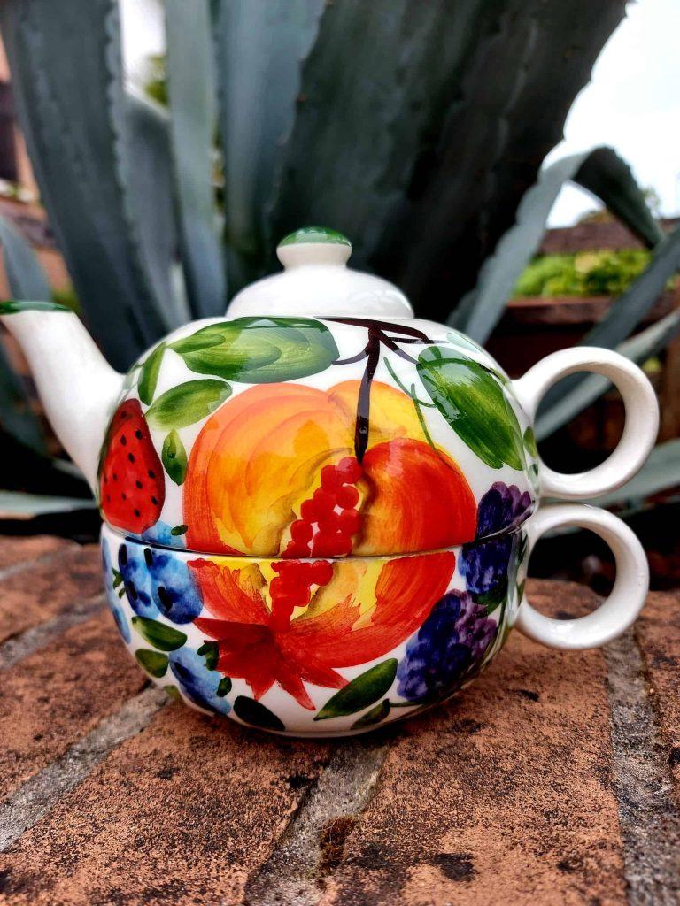 Keramické čajníky so šálkami