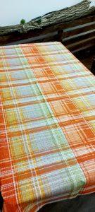 Bavlnený obrus oranžovej farby ŠTVORCE