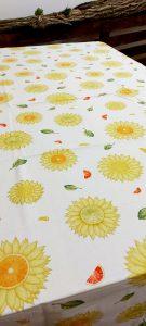 Krásny bavlnený obrus so slnečnicovým motívom